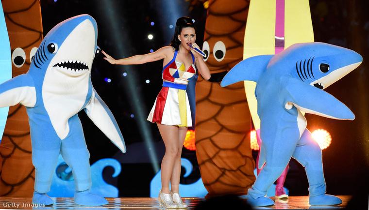 Még mindig zene és az év eleje: a február elsejei Super Bowlon Katy Perry fellépése volt hivatva szórakoztatni a futballmeccs szünetében a közönséget