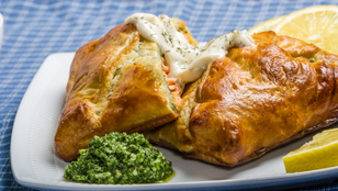 Kezdőként is van remény egy menő ünnepi fogásra: pestóval sült fogasfilé tésztabundában