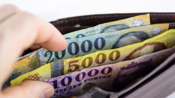 Újabb történelmi mélyponton a forint