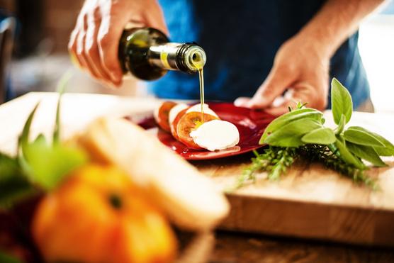 Egy kis olívaolajjal és balzsamecettel a legfinomabb.