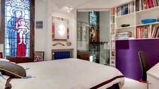 Egy brit designer luxuslakást csinált egy régi kápolnából