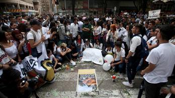 Egy 18 éves fiú halála olajat öntött a tűzre Kolumbiában
