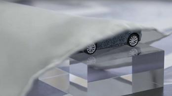 Decemberben jön az új Jaguar sportkocsi