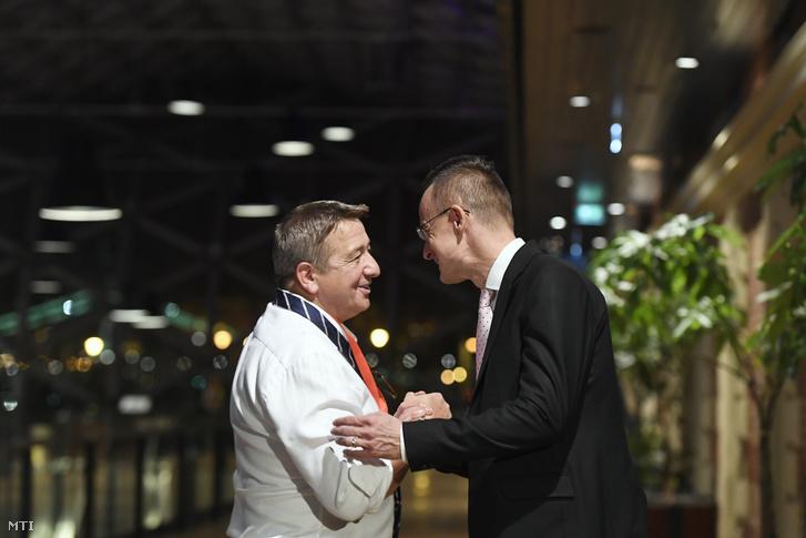 Szijjártó Péter és Bayer Zsolt a Fidesz eredményváró rendezvényén 2019. október 13-án
