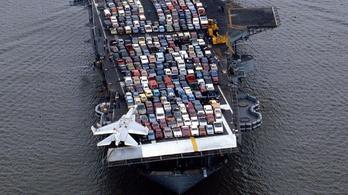 A világ legmenőbb parkolói: az amerikai haditengerészet repülőgép-hordozói