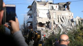 Nem elég a földrengés, még a telefonját is korlátozta a szolgáltató