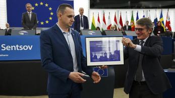 Arról álmodik, hogy Putyint egy nap üvegtábla mögött látja