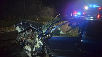Be volt speedezve a 19 éves sofőr, aki átment a szemközti sávba a 82-esen