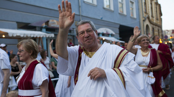 Puskás Tivadar 5,9 milliót kap a ki nem vett szabadságaiért, Borkai mindet kivette
