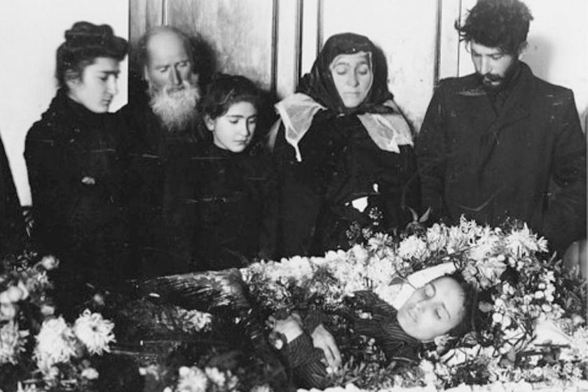 Kato temetése