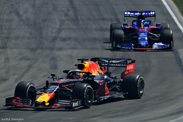 Max Verstappen (Red Bull) és Danyiil Kvjat (Toro Rosso) a 2019-es Montreali Nagydíjon
