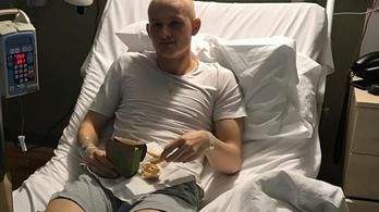 Egy éve rákkal diagnosztizálták, most az EL-ben futballozik a ManUtd 19 évese