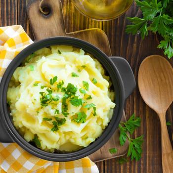 Krémes burgonyapüré pikáns dijoni mustárral: gazdagabb és lágyabb lesz