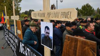 Komoly lőfegyverekkel szerelik fel a román erdészeket