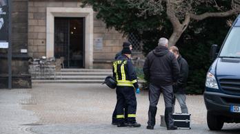 Négyfős meló lehetett az egymilliárd eurónyi ékszer elrablása