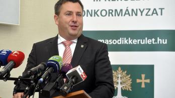 7 millió forintot kér ki nem vett szabadságaiért a II. kerület leváltott polgármestere
