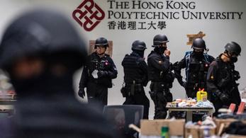 Átvizsgálja a rendőrség a hongkongi egyetem épületeit