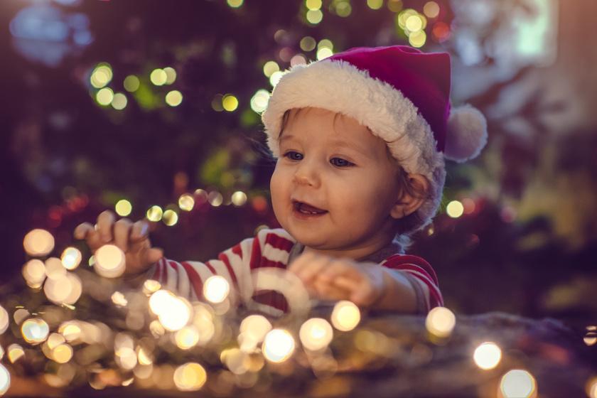 Minden gyerek ilyen karácsonyfát szeretne - Így díszíts, ha kicsik is vannak a háznál