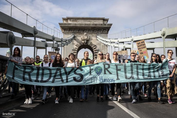 Globális klímasztrájk tüntetés 2019. szeptember 27-én, a Fridays for Future Magyarország szervezésében
