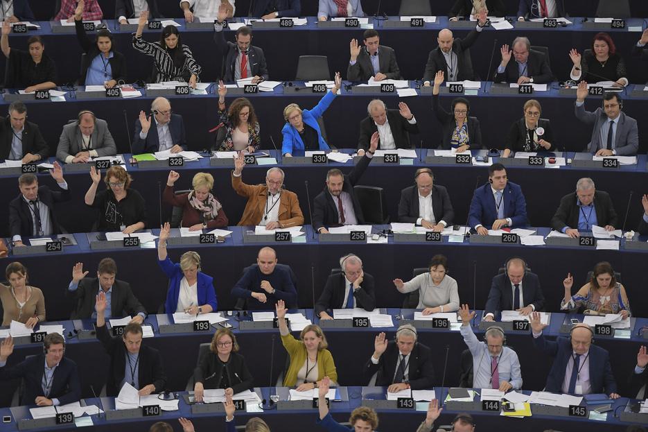 A Fidesz nem támogatta a nők elleni erőszak felszámolásáról szóló EP-döntést