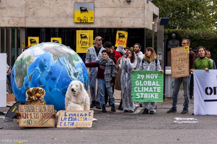 Klímatüntetők Rómában 2019. november 27-én