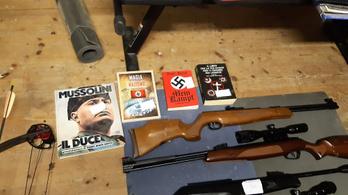 Olasz neonáciktól foglaltak le fegyvereket