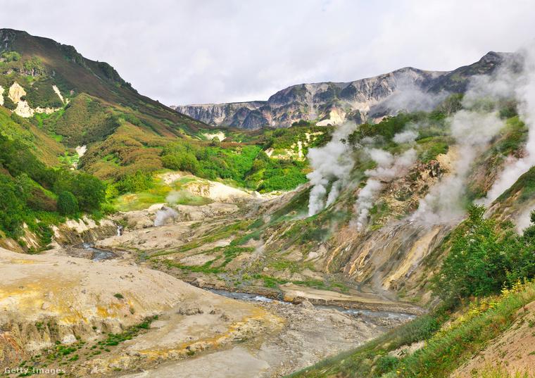 Gejzírek völgye, OroszországA gejzírek völgye a Kamcsatka-félsziget ámulatba ejtő természeti csodája, az UNESCO Világörökség része, a világon a második legnagyobb gejzírmező