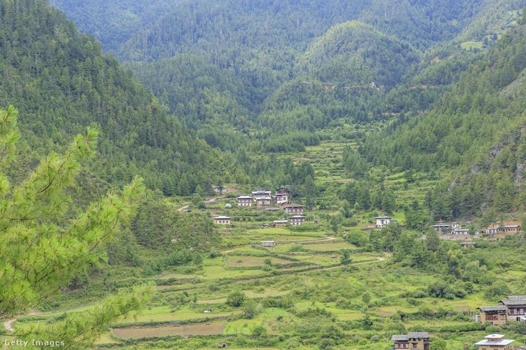 Haa-völgy, BhutánA Haa-völgy Bhután legnagyobb völgye, hegyei hatalmas mezőket zárnak közre