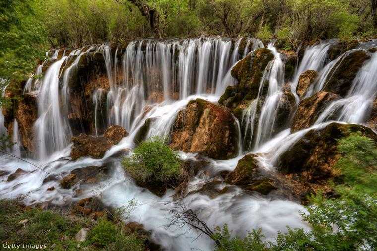 Jiuzhaigou-völgy, KínaKína legnépszerűbb turistacélpontja egyben a világ egyik leggyönyörűbb tája
