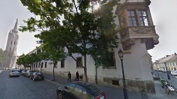 I. kerületi vezetés: Jogsértő szerződéssel szerzett ingyen parkolóhelyeket az MNB alapítványa