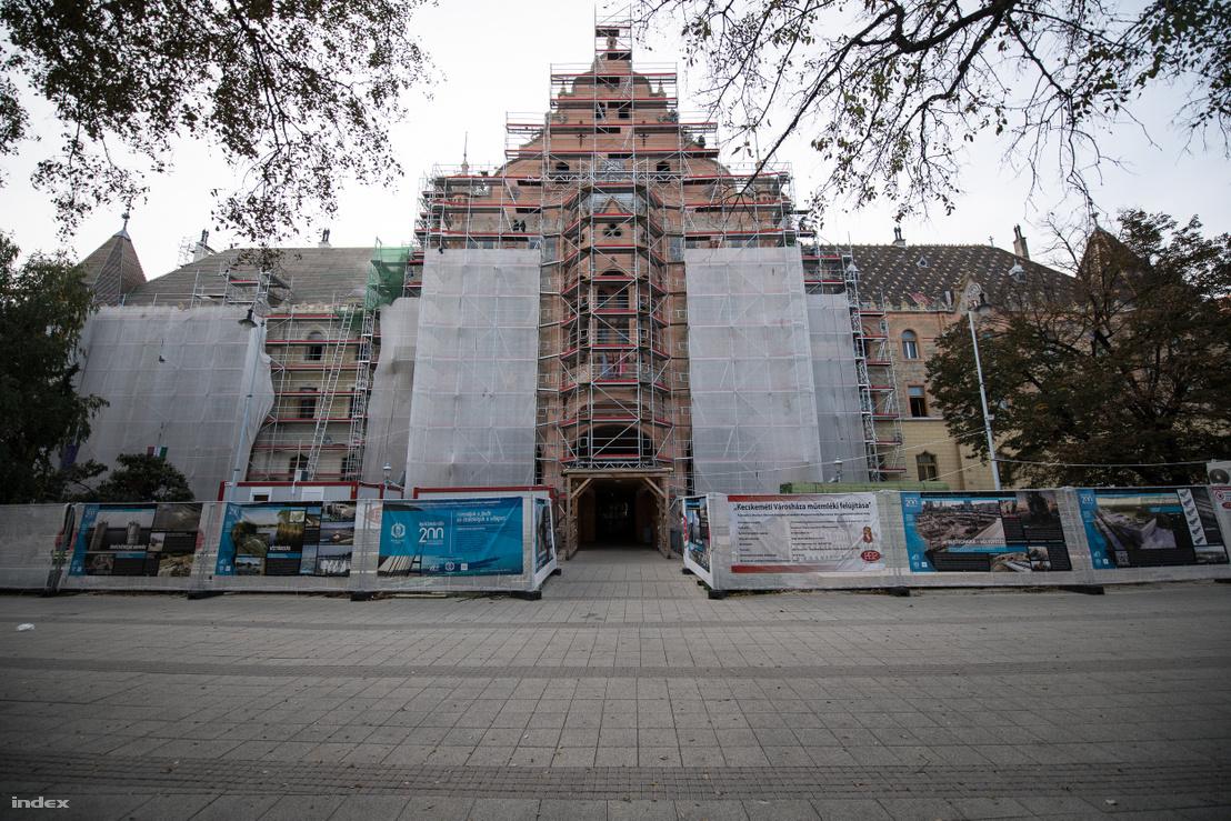Lechner Ödön és Pártos Gyula: a kecskeméti városháza, Kossuth tér 1. 2021-re várható a felújítás befejezése
