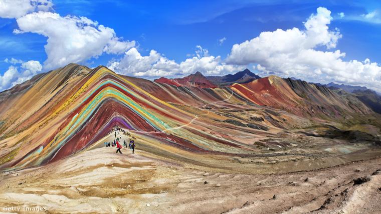 A perui 5200 méter magas Vinicuncát hívják Montaña de Siete Coloresnek, azaz a Hét Szín Hegyének vagy Szivárványhegynek is