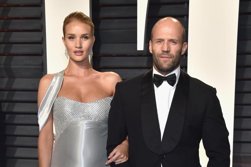 Igazi álompár, Jason Statham és gyönyörű menyasszonya, Rosie Huntington-Whiteley már kilenc éve boldogok együtt.
