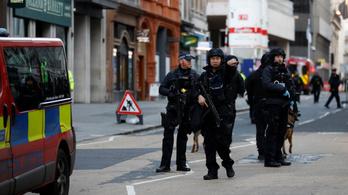 Két ember meghalt, három megsebesült a londoni késelésben, az elkövetőt lelőtték
