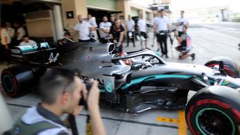 Hamilton indul az élről a zárófutamon, Bottas az utolsó helyről