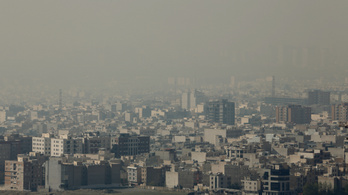 Iránban felszólították a gyerekeket és időseket, hogy maradjanak otthon a légszennyezettség miatt