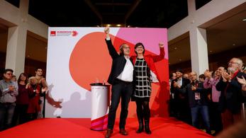 A nagykoalíciót bírálják, de nem rúgnák fel azok, akik a német szocdem párt élére kerülnek