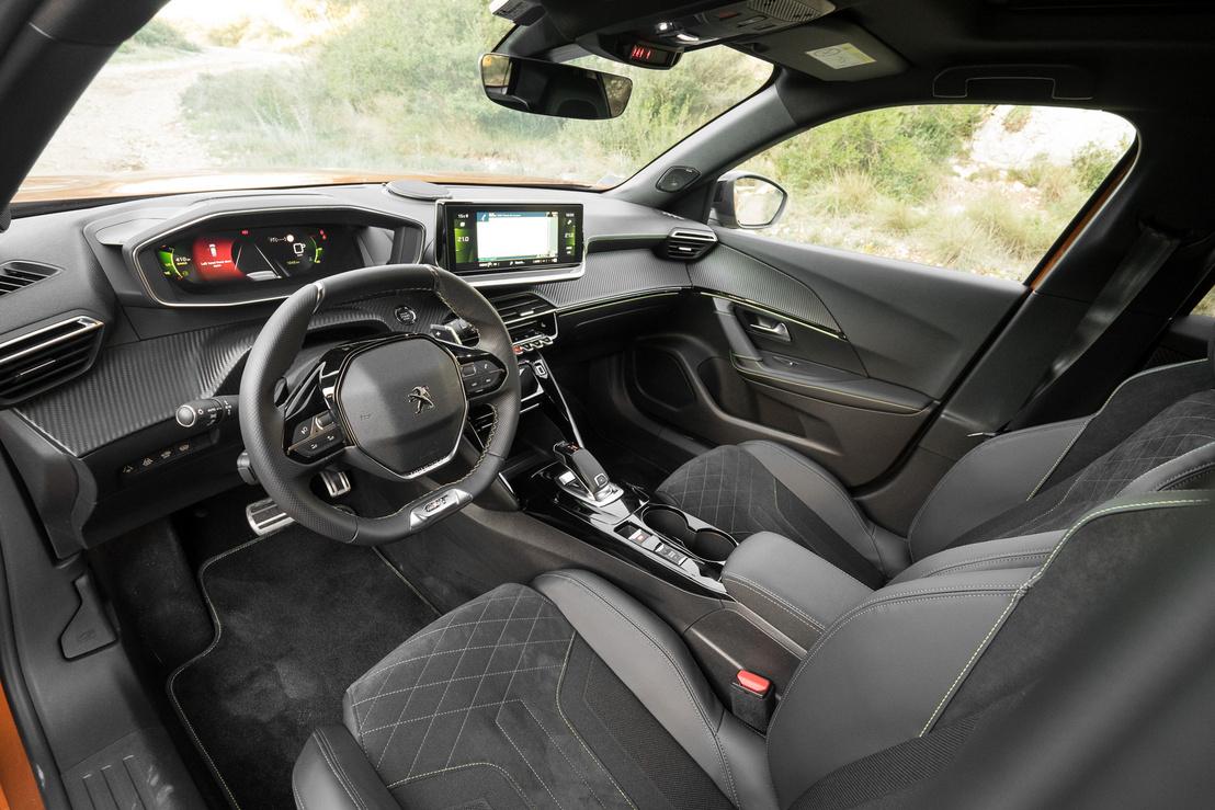 A szokásos, újkori Peugeot-kabin