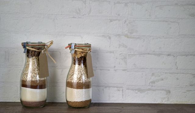 Egy gyors reggeli ajándékba: füstölt paprikás-fokhagymás muffin üvegben