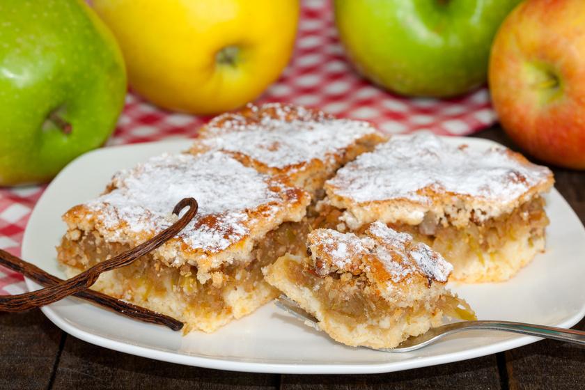 Fűszeres almás béles a nagyi receptje szerint: szétomlik a szádban a tészta