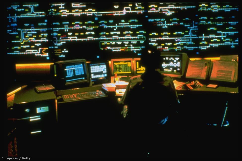 1993. Egyesült Államok, Union Pacific : számítógépes vezérlés a vasúti forgalomirányításban.