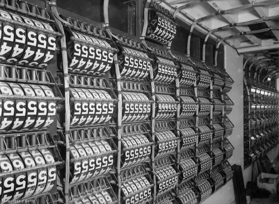 1929. A számítástechnika hajnalán: az ascot-i lóversenypálya eredményjelző gépének belseje.
