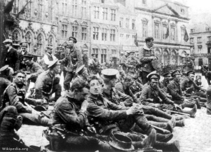 A brit 4. királyi lövészek nem sokkal a monsi csata előtt