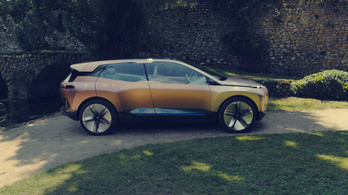 Elkezdett helyet csinálni új villanyautóinak a BMW