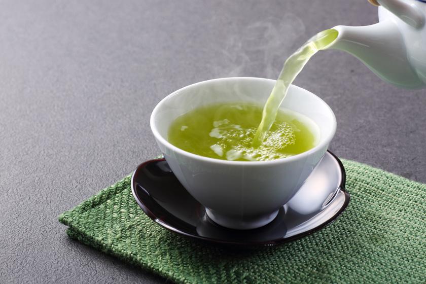 Le lehet fogyni 28 nap alatt egy teával? A tudományt kérdezd, ne az influenszereket