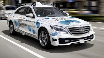 A Mercedes is robottaxikat tesztel