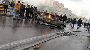 Jogvédők szerint több mint 200 halottja van az iráni tüntetéseknek