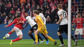 Szalai fordulásból lőtt győztes gólt a Mainzban