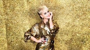Meztelenkedős karácsonyi számmal próbálkozik Katy Perry