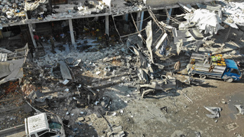 Piacokat értek légicsapások, legalább 12 gyerek meghalt